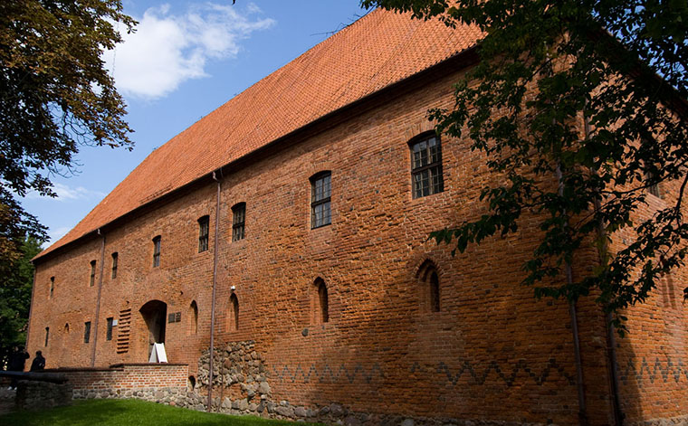 Ostróda - Zamek krzyżacki (XIV w.) - (źródło wikipedia.org)