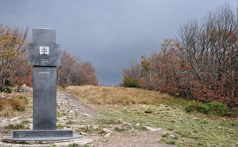 Styk trzech granic - Krzemieniec – (źródło wikipedia.org)