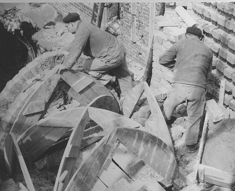 Fot Odbudowa zamku w Malborku w latach 60